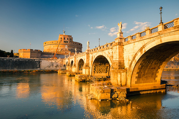 The Jews dream of conquering Rome through the dry river bed of the Tiber