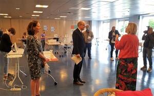 VTM - bezoek minister Geens aan FERM Wijgmaal
