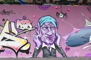 Ministers De Block en Geens duiken op als streetart onder Bananenbrug