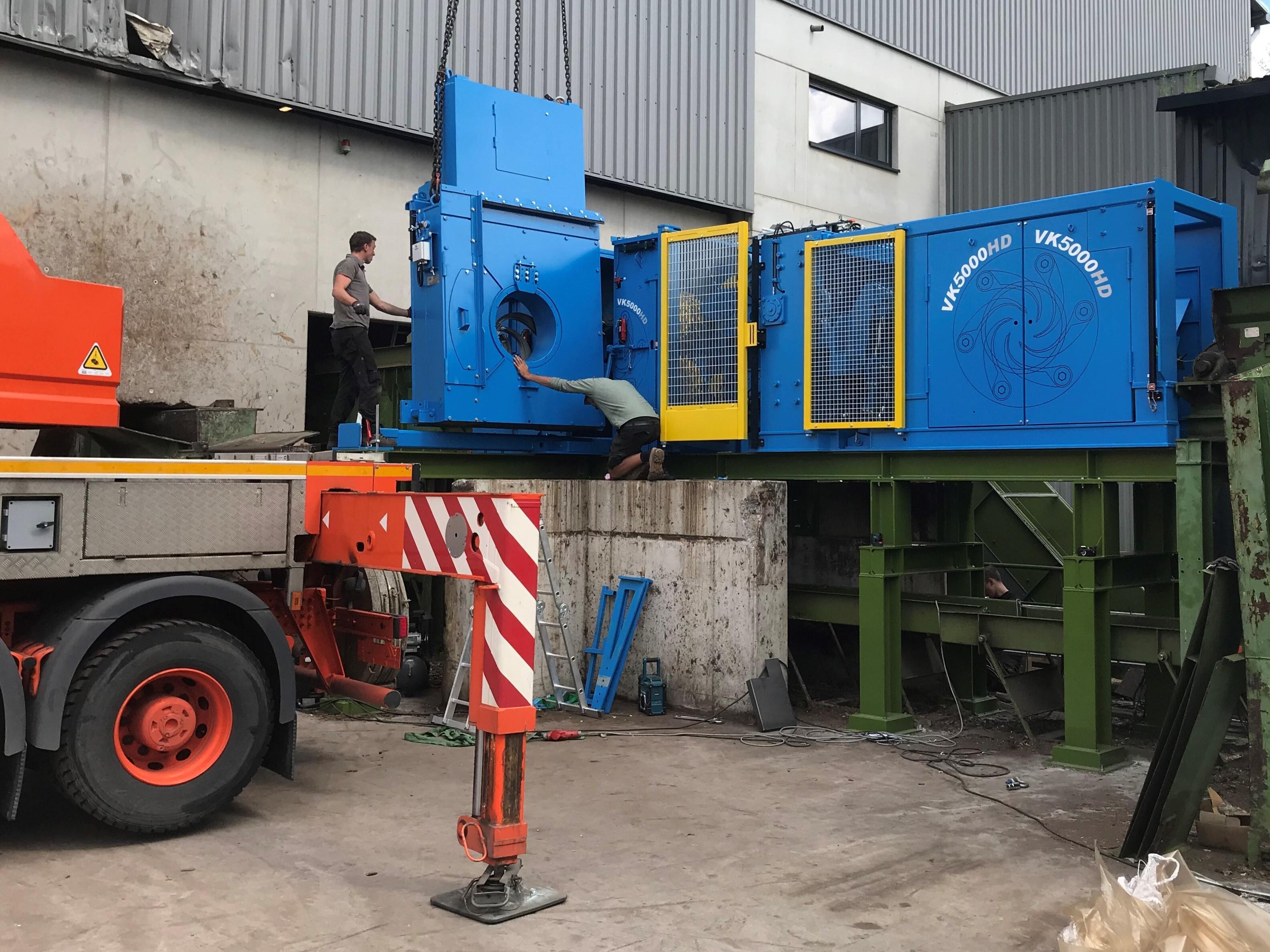 De nieuwe ontschorser voor de pelletfabriek