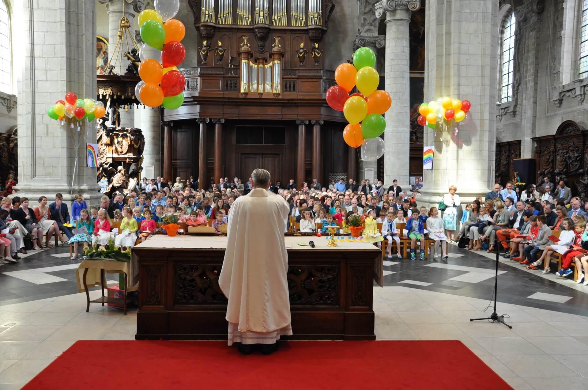 Virtuele ontsluiting van vieringen vanuit St.-Servaasbasiliek Grimbergen