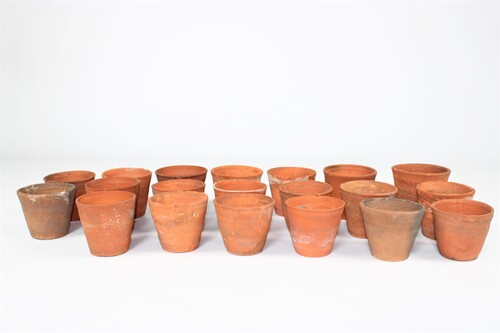 thumbnails bij product Old terracotta flower pots