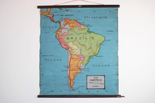 thumbnails bij product Old school map of South-America, from 30
