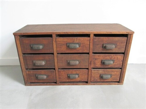 thumbnails bij product Industrial apothecary cabinet