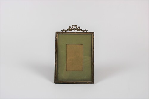 thumbnails bij product old gilt picture frame with ribbon