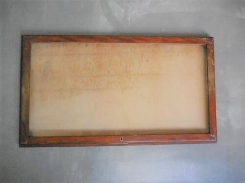 thumbnails bij product wooden display case