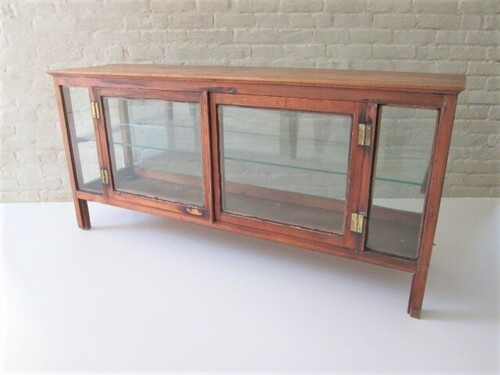 thumbnails bij product old display cabinet