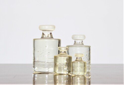 thumbnails bij product 4 glass apothecary weights