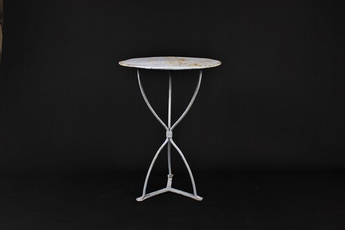 thumbnails bij product old small metal garden table