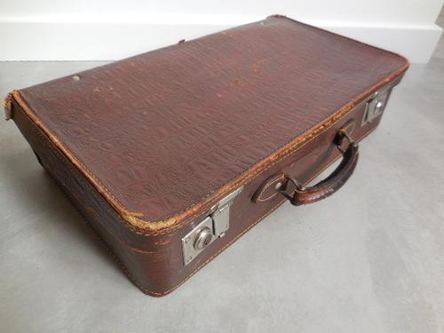 thumbnails bij product vintage koffer met krokodillenlederprint