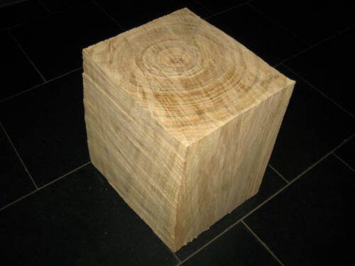 thumbnails bij product wooden block as table