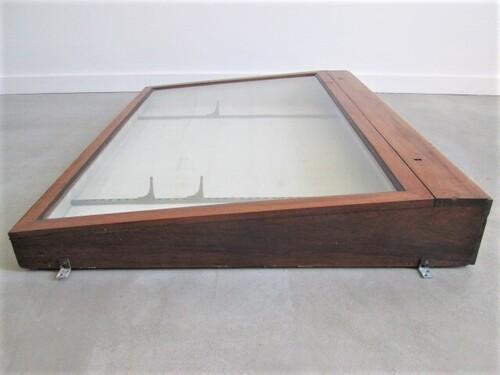 thumbnails bij product old wooden displays