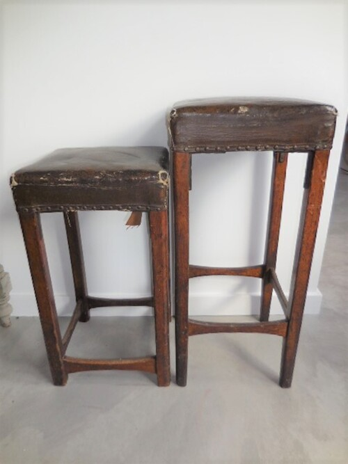 thumbnails bij product Two old barstools