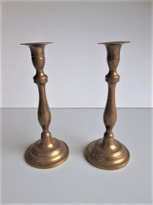 thumbnails bij product twee bronzen kandelaars, 18-19°eeuw