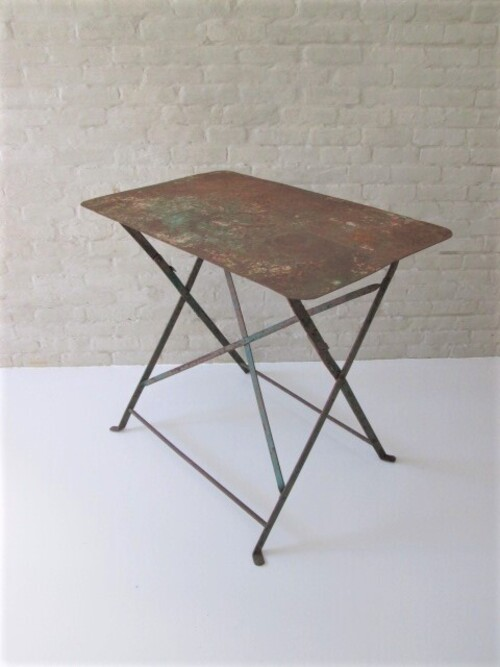 thumbnails bij product old metal table