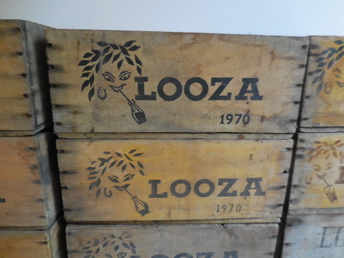 thumbnails bij product Old wooden boxes for Looza juice