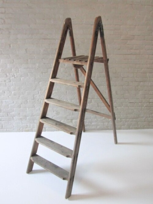 thumbnails bij product oude houten trapladder