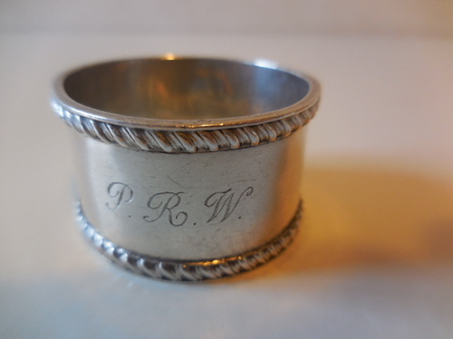 thumbnails bij product silver napkin ring with inscription
