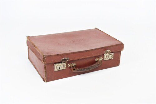 thumbnails bij product Small leather suitcase
