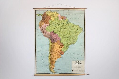 thumbnails bij product School map South-America