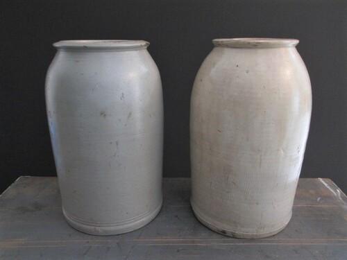 thumbnails bij product old ointment jar