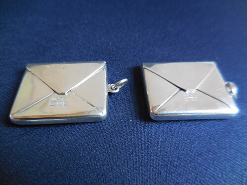 thumbnails bij product two lovely silver boxes