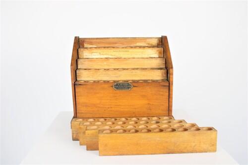 thumbnails bij product porte-éprouvette ancien en bois