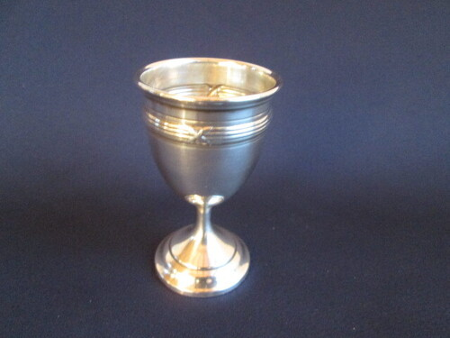 thumbnails bij product silver egg cup 800, crossed ribon decor