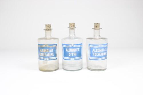 thumbnails bij product apothekersfles met blauw etiket