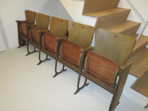 thumbnails bij product Vintage foldable theater seats, Fibrocit
