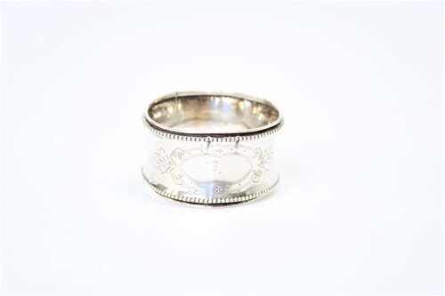 thumbnails bij product old silver napkin ring