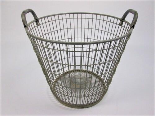 thumbnails bij product old metal baskets