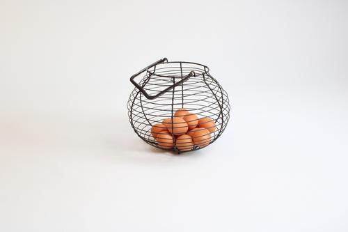 thumbnails bij product eiermandje in draadmetaal