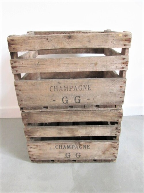 thumbnails bij product old wooden box for Champagne