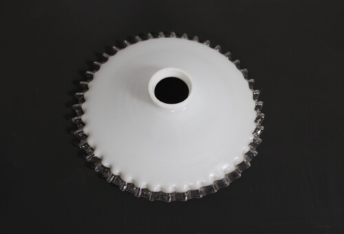 thumbnails bij product old lamp shade in opaline glass