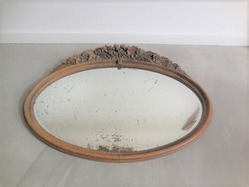 thumbnails bij product Oude grote ovale spiegel