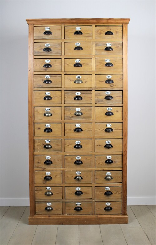 thumbnails bij product Old industrial cabinet with drawers